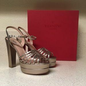 Valentino Platform Heel Sandal Gold Leather Sz 41